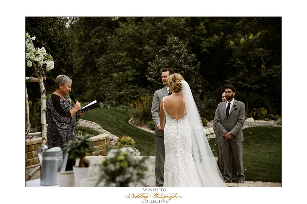 Amanda&Matt_Wedding_Bridges_Reanne_028.jpg