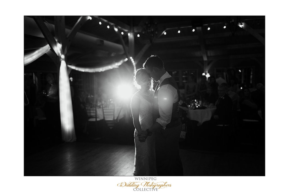 Amanda&Matt_Wedding_Bridges_Reanne_044.jpg