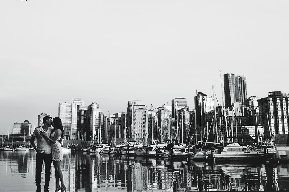 0007-winnipeg-engagement-photographers-portfolio.jpg