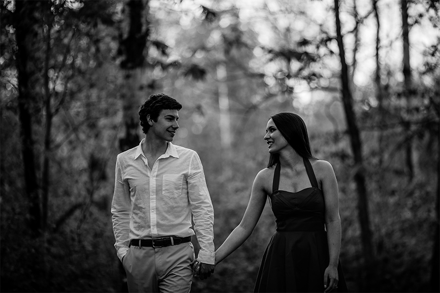 021-KirstinAndEdwardEngaged-LakeLife-WinnipegWeddingPhotographersCollective-Tony-Beach-GrandBeach-BalsamBay-Engaged-EngagementSession-ConnectionSession.jpg