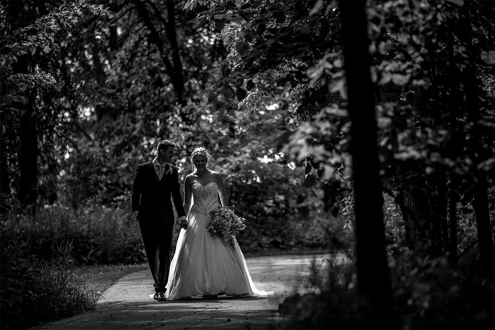 011-KevinandAllisonMarried-AshgroveAcres-WinnipegWeddingPhotogrpahersCollective-Tony-CountryWedding.jpg