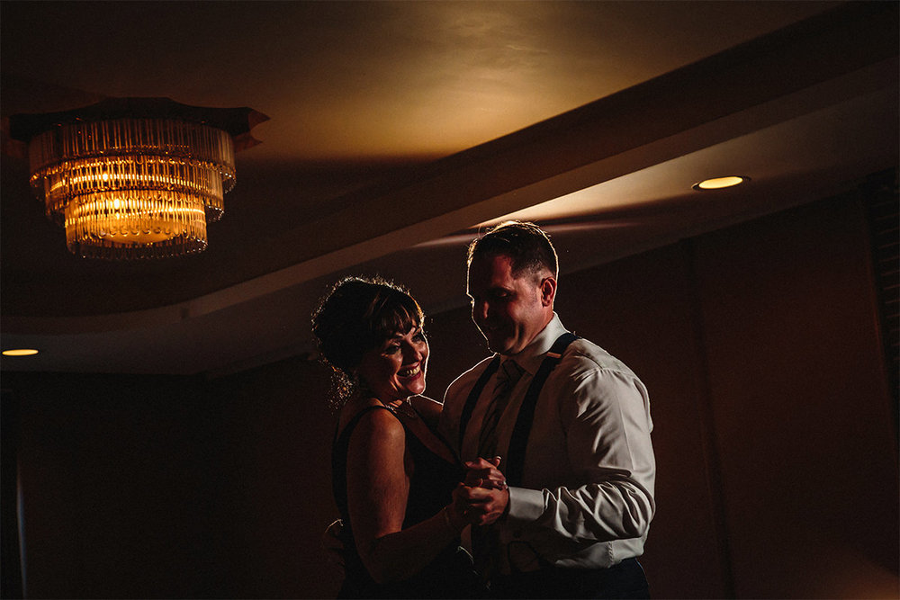 023-AleciaandKaseyMarried-HotelFortGarry-Winnipeg-Manitoba-Canada-WeddingPhotogrpahy-WinnipegWeddingPhotographersCollective-TheCollective-Tony.jpg