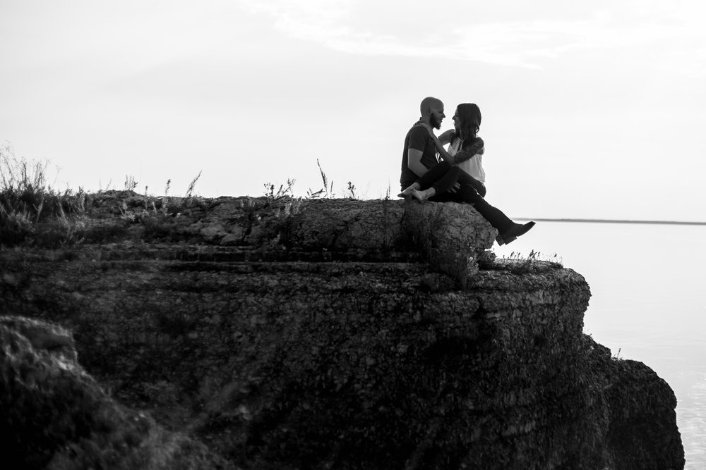 0018-steeprock-manitoba-engagement-photos.jpg