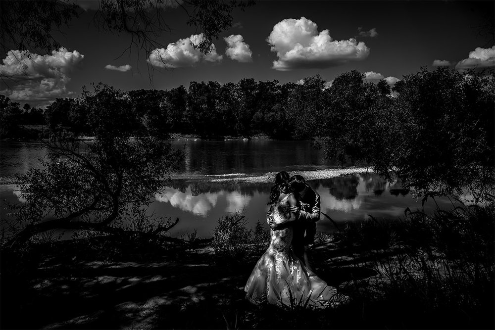 007-WinnipegWeddingPhotographersCollective-Tony-MicheleAndPaulMarried-TheGatesOnRoblin-MicheleAndPaulMarriedAF.jpg