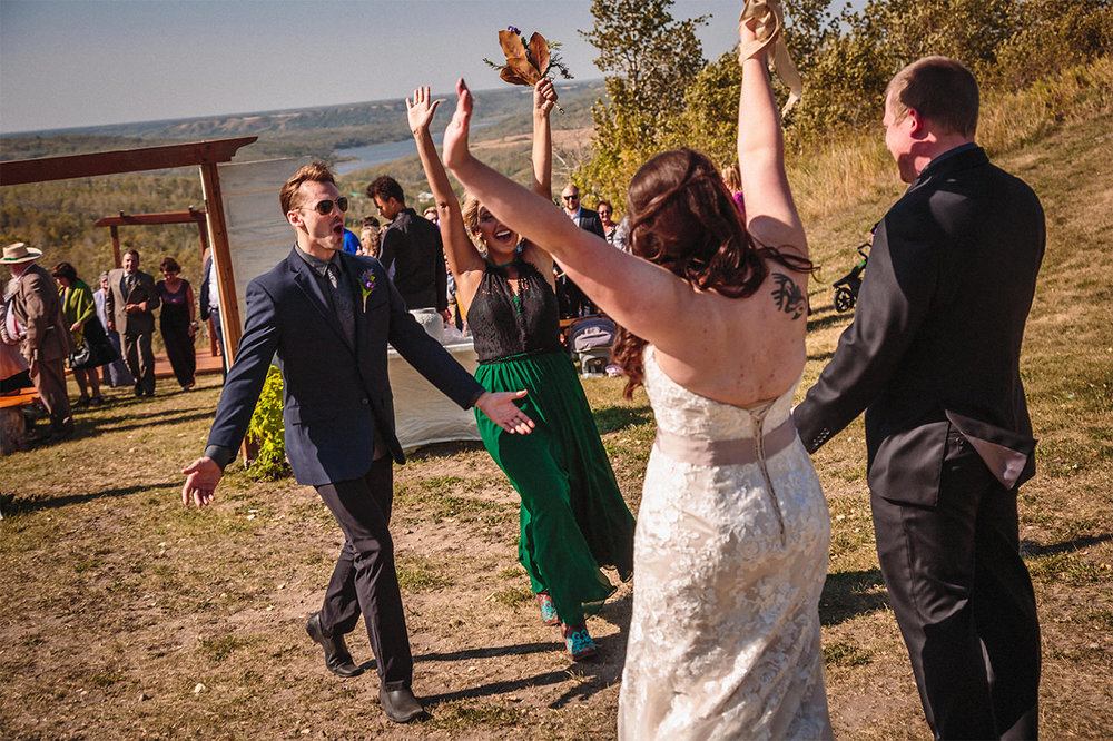 008_AsessippiWedding-KatrinaAndDanielMarried-CountryWedding-WinnipegWeddingPhotographersCollective-Tony-Autumn-FallColours.jpg