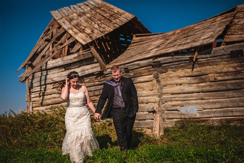 016_AsessippiWedding-KatrinaAndDanielMarried-CountryWedding-WinnipegWeddingPhotographersCollective-Tony-Autumn-FallColours.jpg