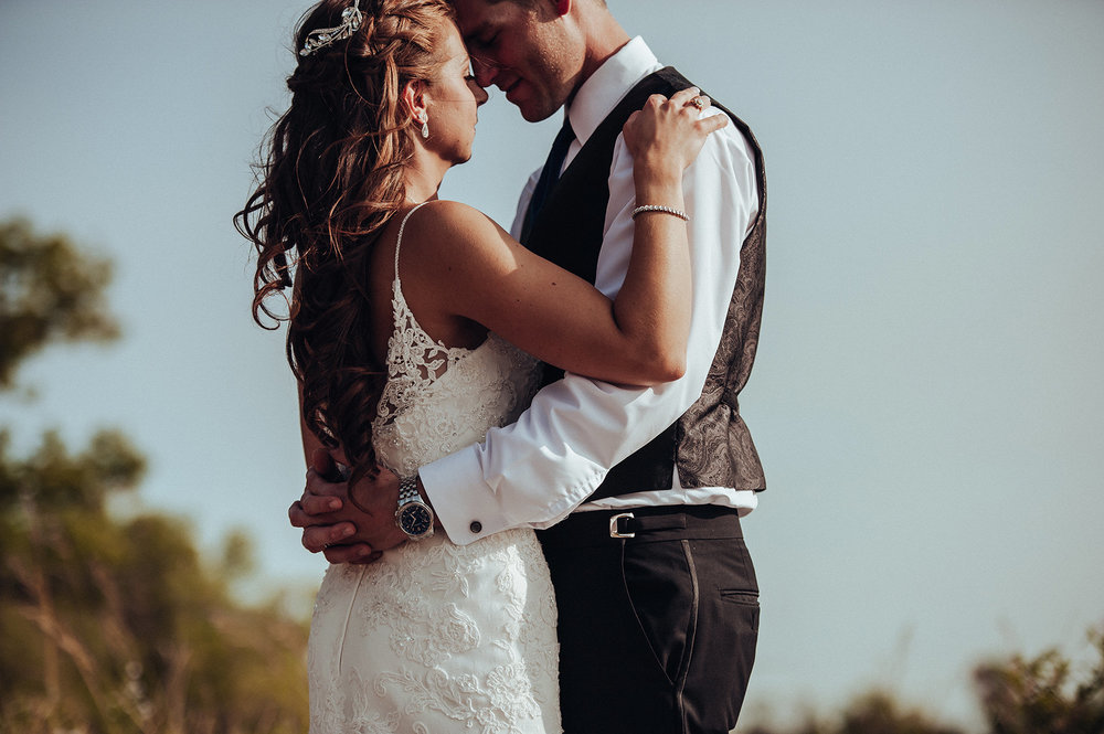 0020-cooks-falls-manitoba-wedding-kelsey-albert.jpg