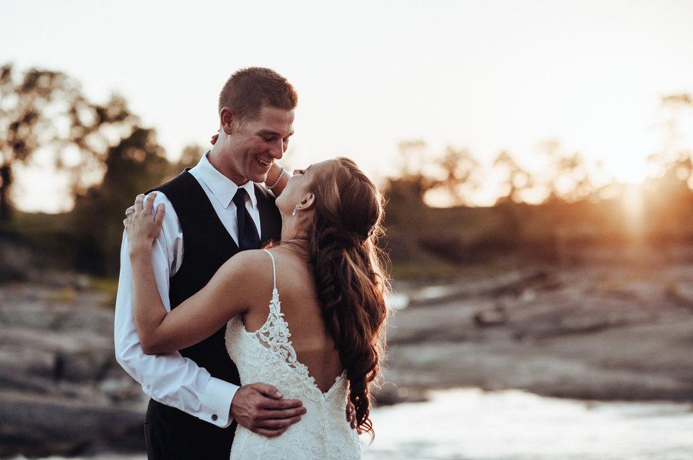 0021-cooks-falls-manitoba-wedding-kelsey-albert.jpg