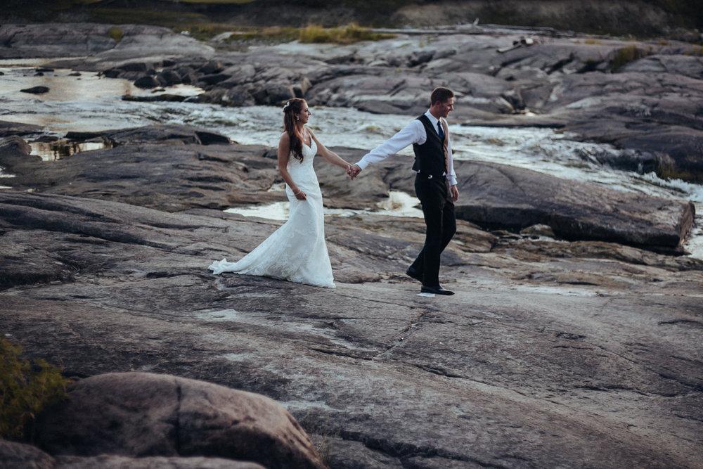 0027-cooks-falls-manitoba-wedding-kelsey-albert.jpg