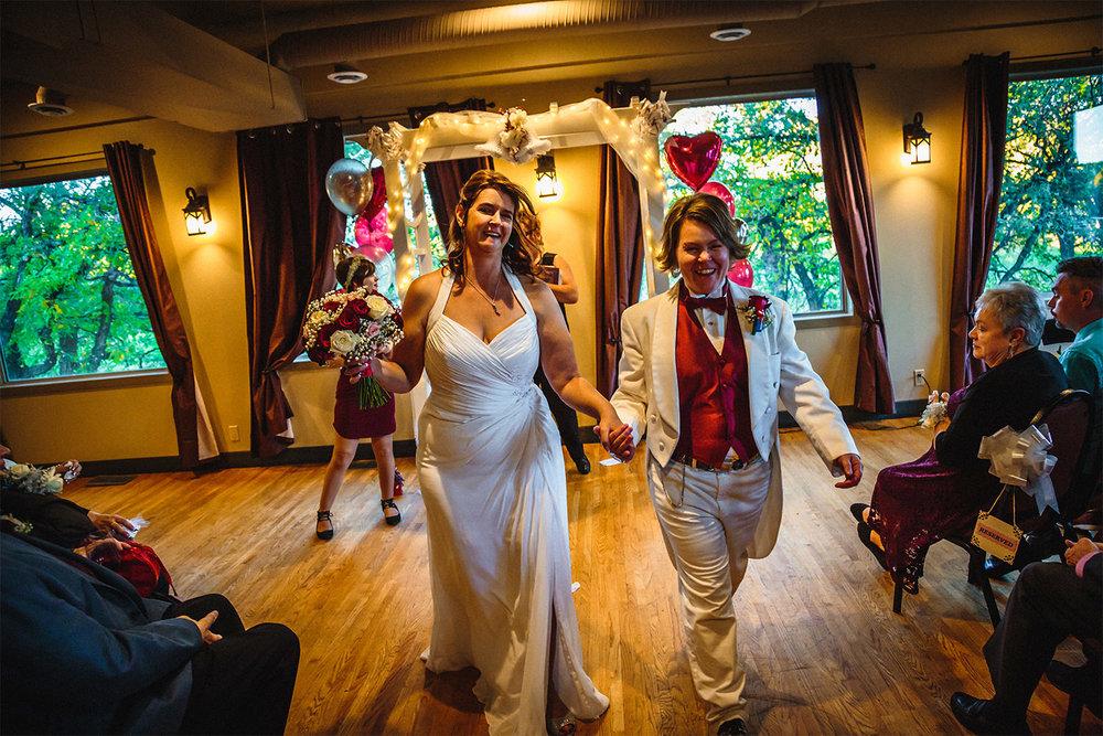 008-ShannonAndTracyMarried-Wedding-Ceremony-Reception-Autumn-LoveWins-LesbianWedding-RossmereCountryClub-BunnsCreek-Winnipeg-Manitoba-Canada.jpg