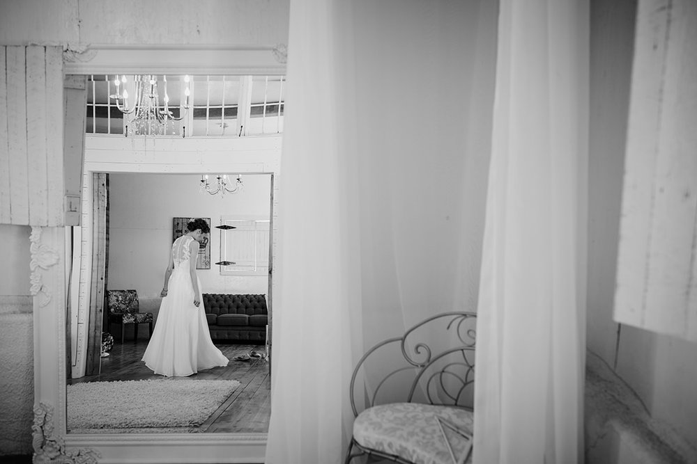0003-steinbach-wedding-barn-sydney-alex.jpg