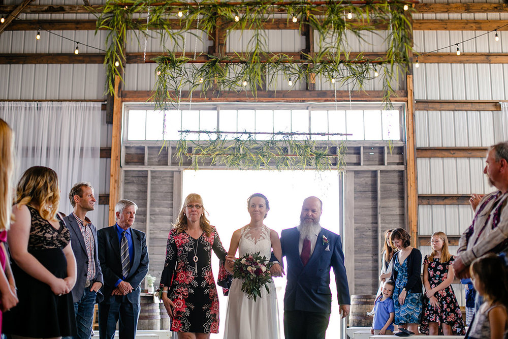 0005-steinbach-wedding-barn-sydney-alex.jpg