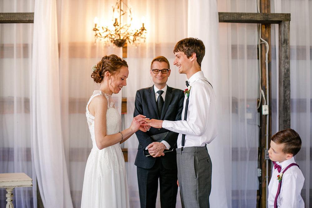 0008-steinbach-wedding-barn-sydney-alex.jpg