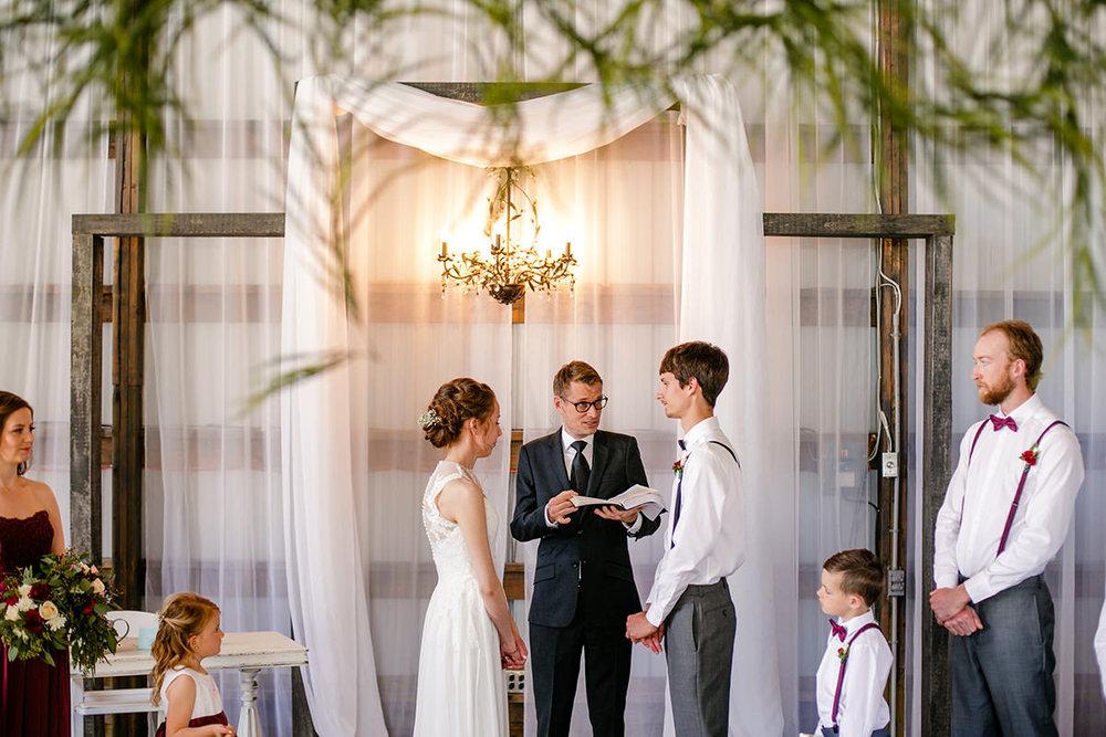 0007-steinbach-wedding-barn-sydney-alex.jpg