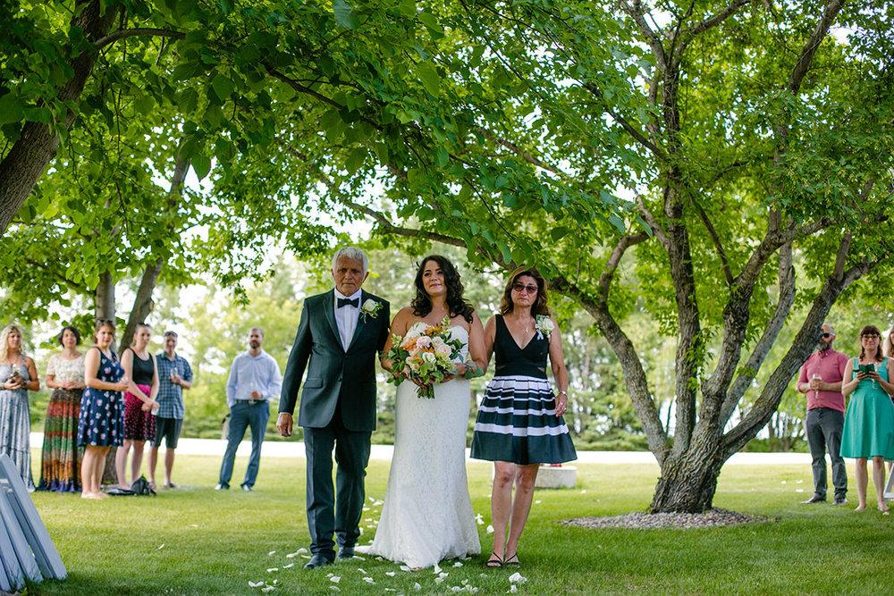0005-beausejour-manitoba-wedding.jpg