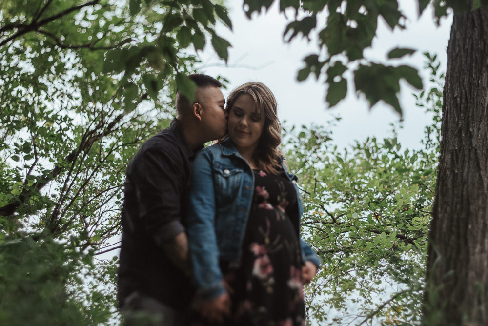 Cindy+Tony_Engaged_AssinboinePark(C)-01.jpg