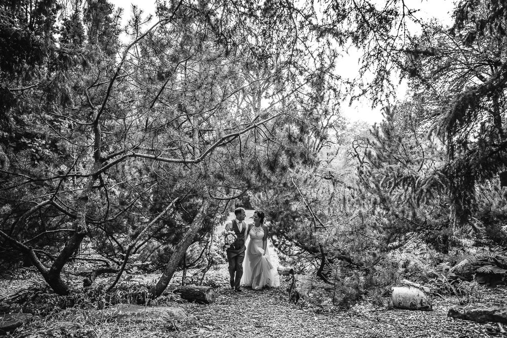 Backyard weddings in Manitoba