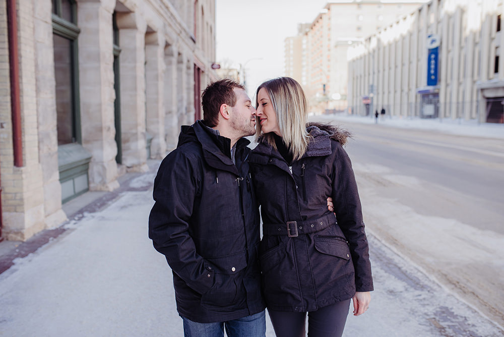 0005winnipeg-winter-engagement-photos-exchange-ingrid-trevor.jpg