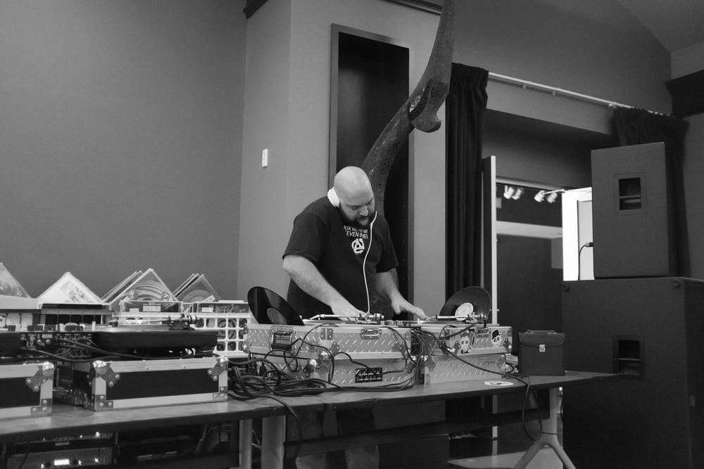 DJ Carbon got on for a bit. Ferrigno Fresh yo!