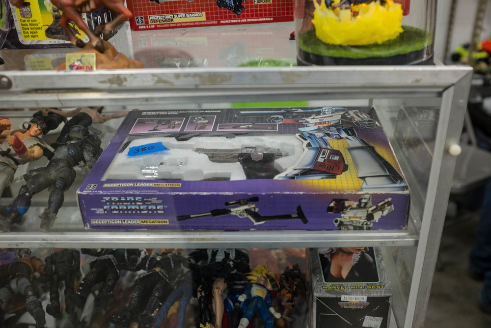 Wow! A Gen1 Transoformers Megatron.. in the box! too bad I didn't have $380 cause it would have been mine!