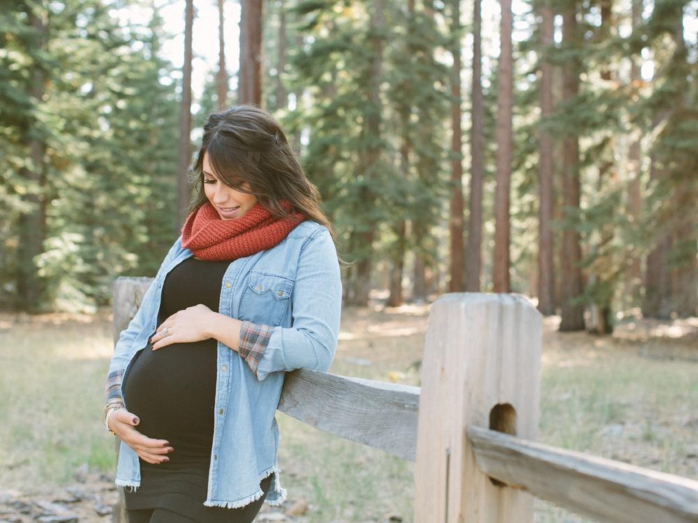 lake tahoe maternity - 2.jpg