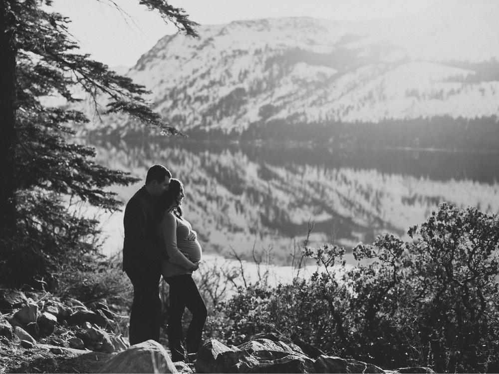 Lake Tahoe Maternity photography2.jpg