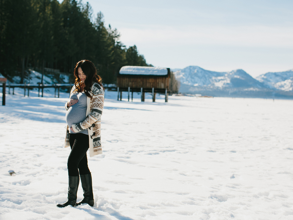 Lake Tahoe Maternity photography11.jpg