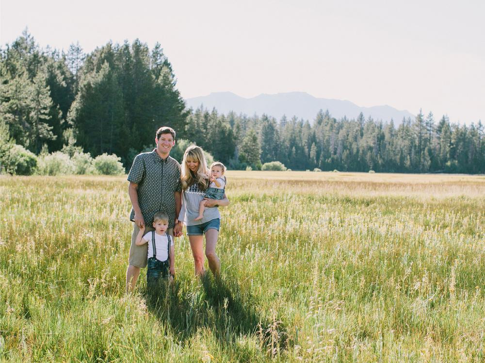 South Lake Tahoe Family PHOTOGRAPHY- 14.jpg