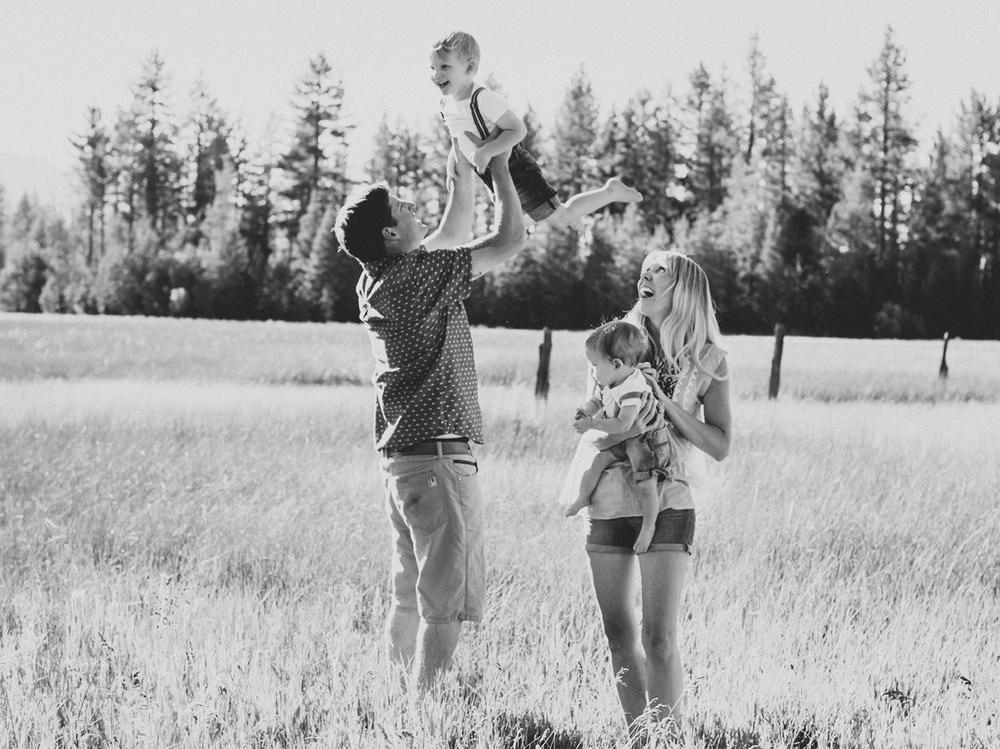 South Lake Tahoe Family PHOTOGRAPHY- 17.jpg