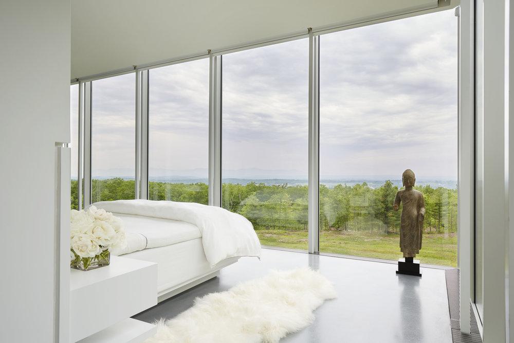 Calm new york modern home