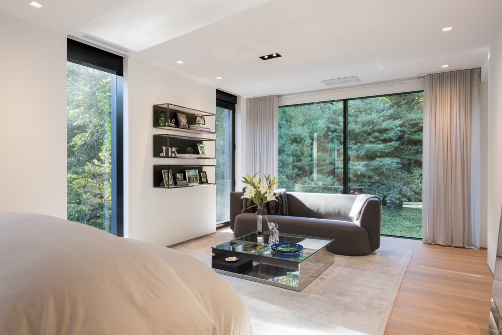 Relaxing guest room modern house