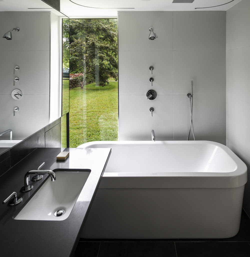 gorgeous white clean calm bathroom privacy