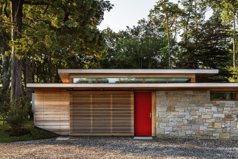 red side door private relaxing natural retreat in connecticut