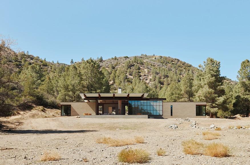 desert house.jpeg