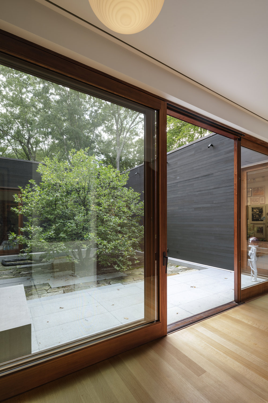 19_Westchester-Residence_Nicholas-Venezia_Selldorf-Architects.jpg