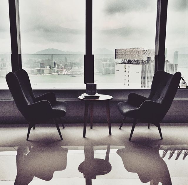 #office #hongkong #causewaybay #chairs #modern #design #interior #interiordesign #furniture #reflection #style #workworkwork #photo #photooftheday #ig #instalike #instadaily