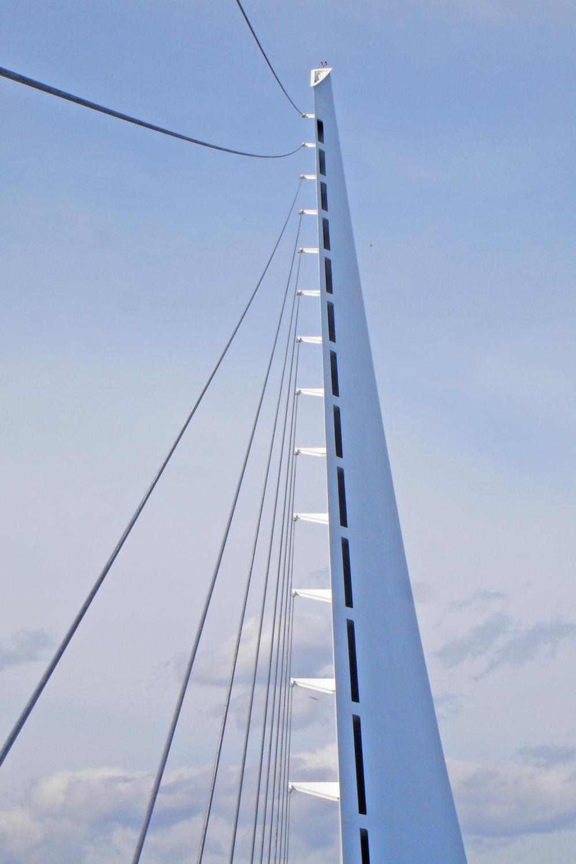 Redding - Sundial Bridge - Santiago Calatrava edit.jpg