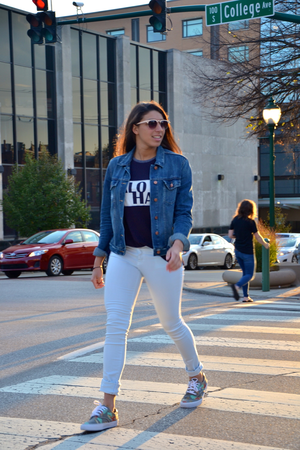 Still looking for that perfect fit go-to jean jacket? Well here is one that you should definitely consider! I find myself reaching for this jacket several times a week! It's easy, comfortable, and matches with close to everything. It also can make a look seem more casual if thats what you are going for!