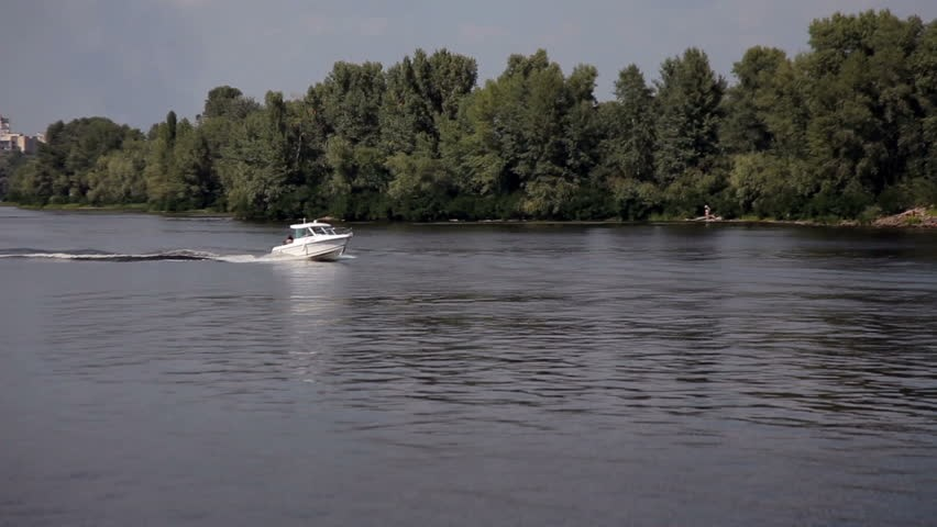 https://www.shutterstock.com/video/clip-11069093-stock-footage-motor-boat-on-lake-zalew-zegrzynski-in-poland.html?src=rel/4890875:4