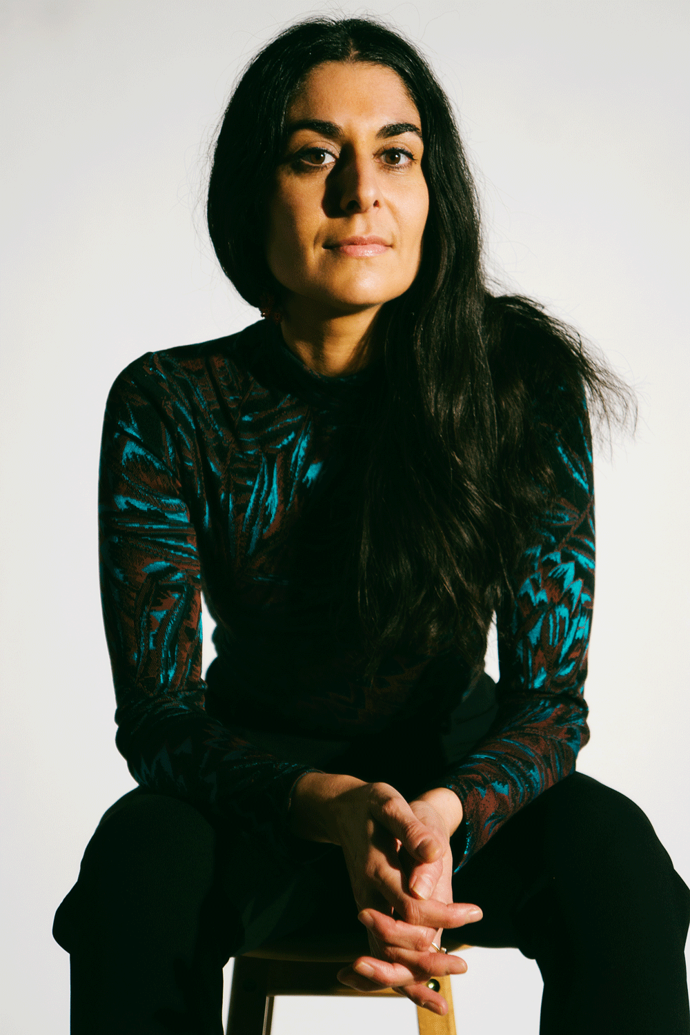 Lana-Seated-Black-and-Blue-top-web.png
