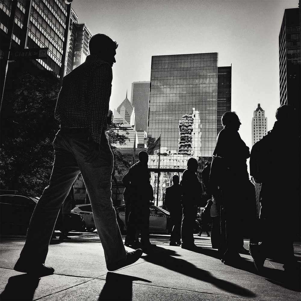 BACKLIT_COMMUTERS_DALEY_PLAZA_8480_WEB.jpg