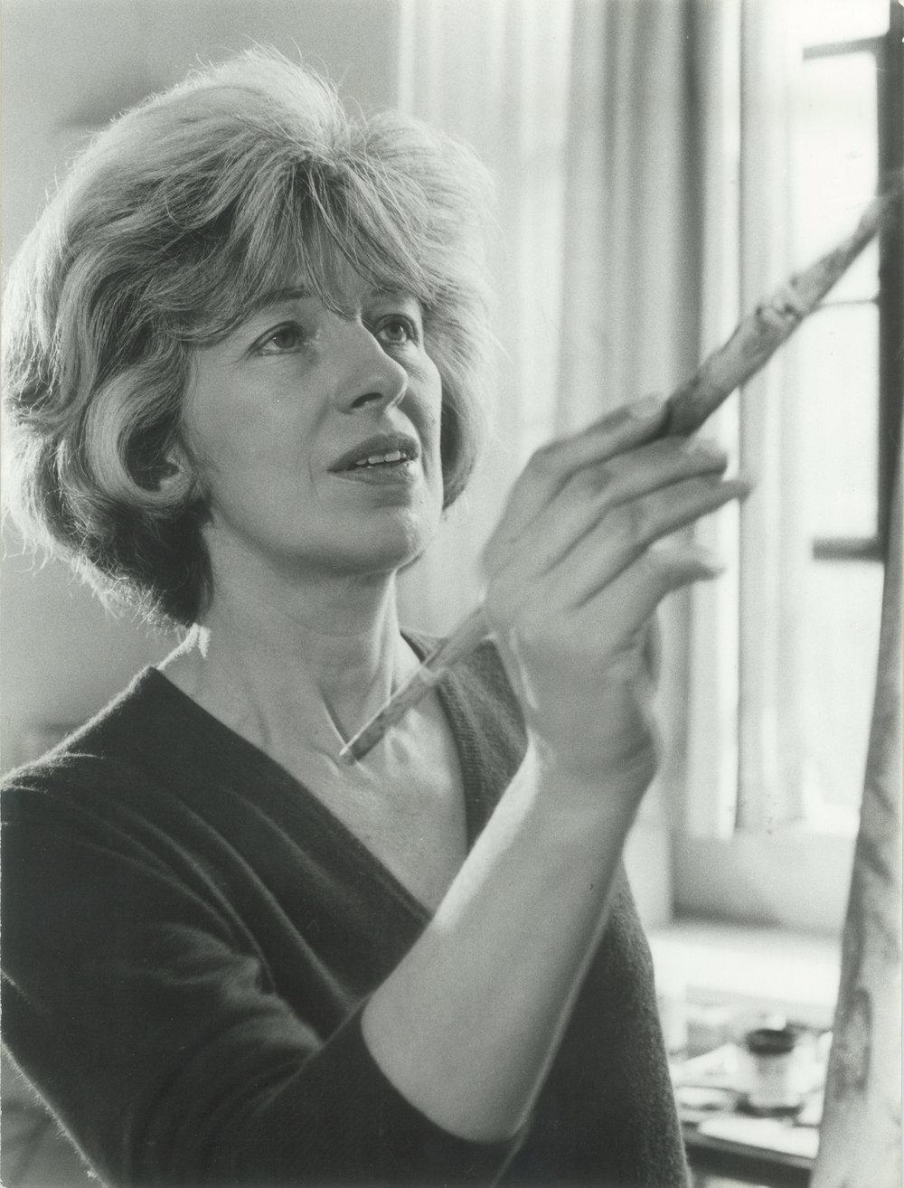 Sarah Grilo in her studio. New York, 1966.  Photo: Hans Namuth © Hans Namuth Estate