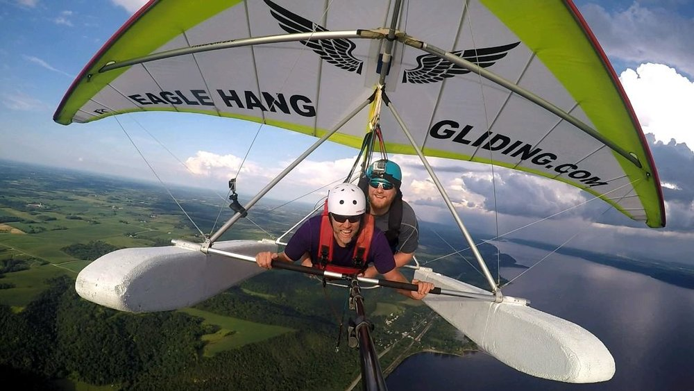 Hang gliding in Lake City / Thomas Cizauskas