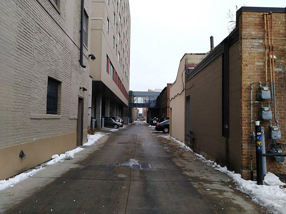 Third Street Alley facing north / Med City Beat