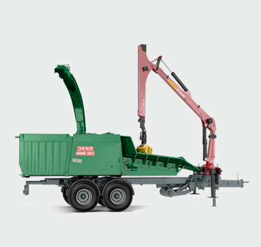 JENZ BA715D biomass shredder with 428hp diesel engine
