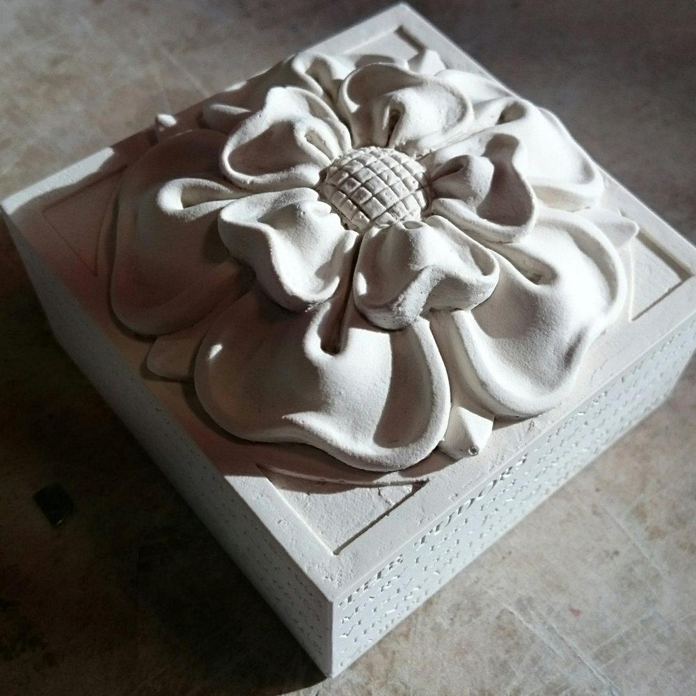 Tudor Rose Paperweight (8).JPG
