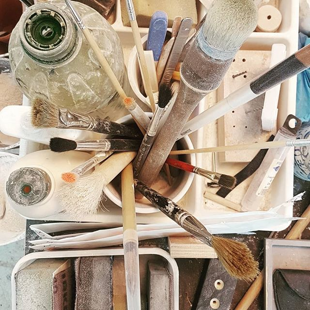 Day 20 #marchmeetthemaker Tools and Materials Everything in our workshop is made by hand using fine British plaster, mined in Yorkshire. We use simple tools and our skilled craftsmen to produce every single item at our studio in Bath. ... #handmade #scalpel #brush #sandpaper #madeinbath #buybritish @joannehawker