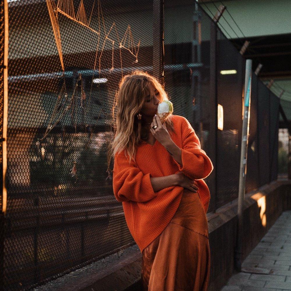 Lisa-Olsson-orange-sweater-2.jpg