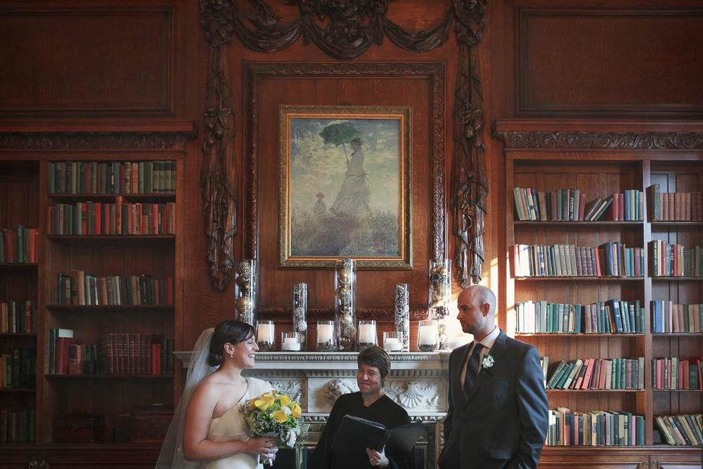 indoor winter afternoon ceremony at the Hampshire House in Boston