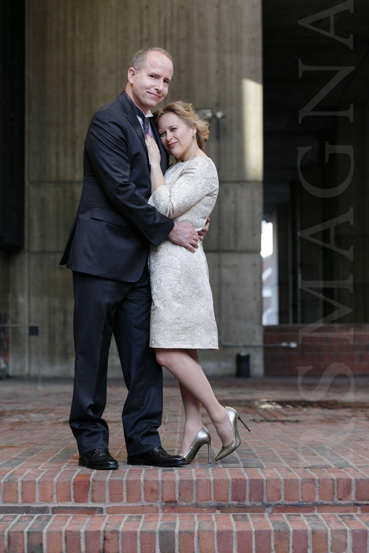 boston-city-hall-elopement-micro-wedding-09.jpg